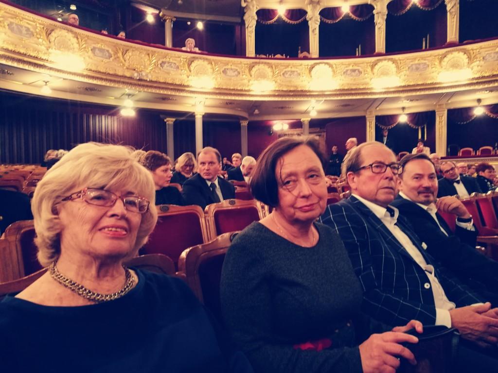 Delegacja OIL w Warszawie podczas uroczystości w Operze Lwowskiej. Od lewej dr Elżbieta Rusiecka-Kuczałek (ORL), dr Ewa Miękus-Pączek (Sekretarz ORL), dr Andrzej Sawoni (Prezes ORL) i dr Piotr Winciunas (ORL) Fot (C) dr Filip Dąbrowski